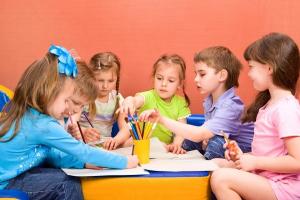 Zašto deca više slušaju vaspitačice nego roditelje?