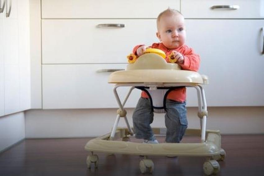 Roditelji ga masovno koriste, a to je jedan od NAJOPASNIJIH proizvoda za decu