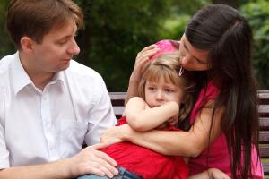 10 grešaka zbog kojih većina roditelja žali, ali ih uporno ponavlja