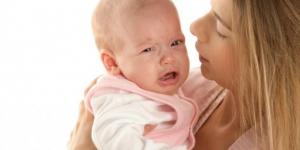 Kako da smirite bebu koja plače