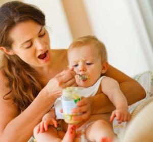 Ishrana beba PO MESECIMA i najčešći alergeni