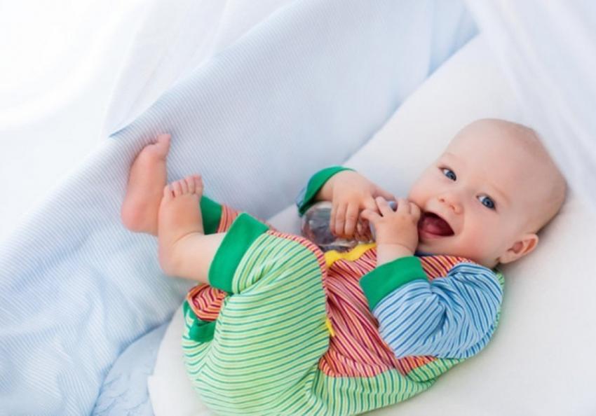 Šta da radite ako vam se beba ujutro PRERANO BUDI? Dragoceni saveti pedijatra