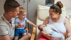 U Srbiji svaka deseta majka doji dete