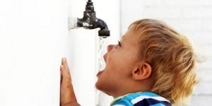 Deca lakše dehidriraju nego odrasle osobe