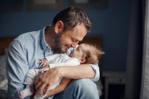 Kako da brže uspavam bebu: 4 jednostavne tehnike za mame i tate