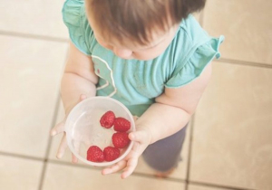 Kada bebi da dam malinu, jagodu ili neko drugo bobičasto voće?