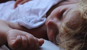 Istine i zablude: Davanje antibiotika deci sa virusnim infekcijama
