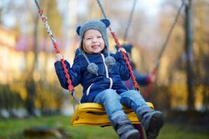 Vratimo se navikama naših roditelja - šaljimo decu da se igraju napolju!