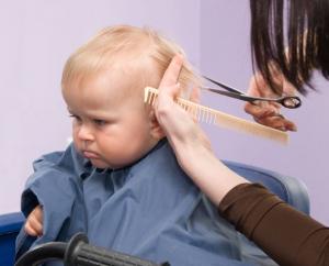 Šišanjem kosa ne postaje gušća
