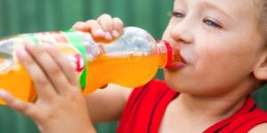 Saveti nutricioniste: 9 dobrih razloga zašto vaše dete ne treba da pije gazirani sok