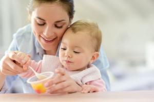 Šta sve ne sme da jede beba mlađa od godinu dana