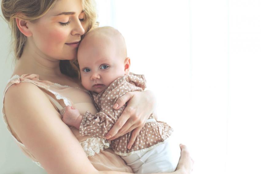 Zašto majka treba da pevuši bebi