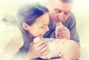 Mama ili tata: Ko bolje komunicira s bebom?