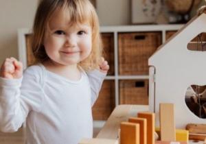 Usvajanje i razvoj govora kod dece