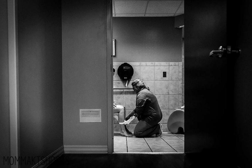 Kad žena izgubi dostojanstvo: Fotografija koja je rasplakala milione