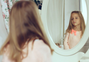Psiholog o odrastanju devojčica: Sve je veća opsesija fizičkim izgledom