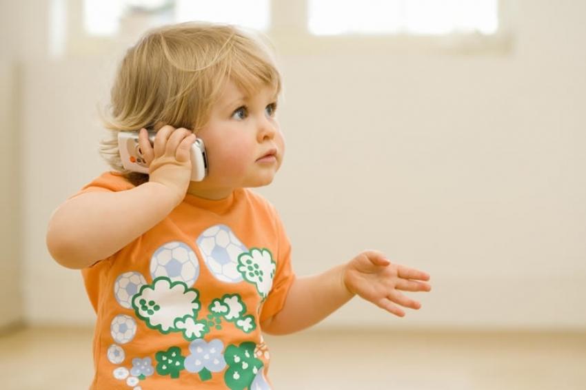 Deca koja stalno traže društvo odraslih