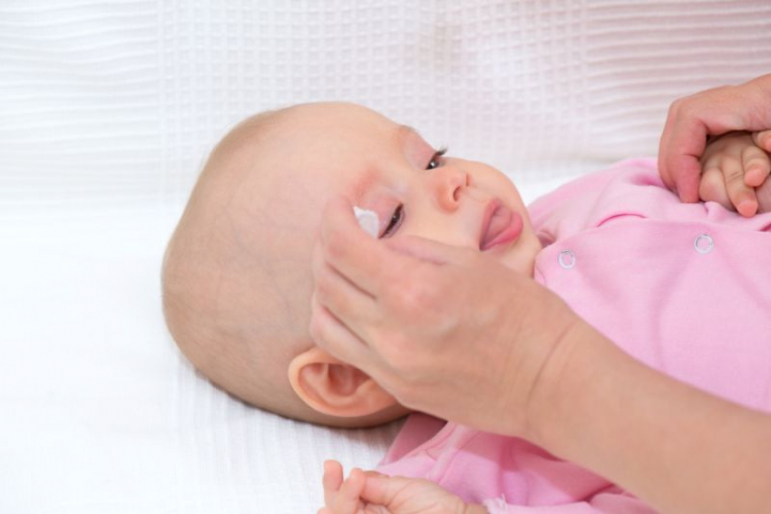 Sve što bi trebalo da znate o suznim očima kod bebe