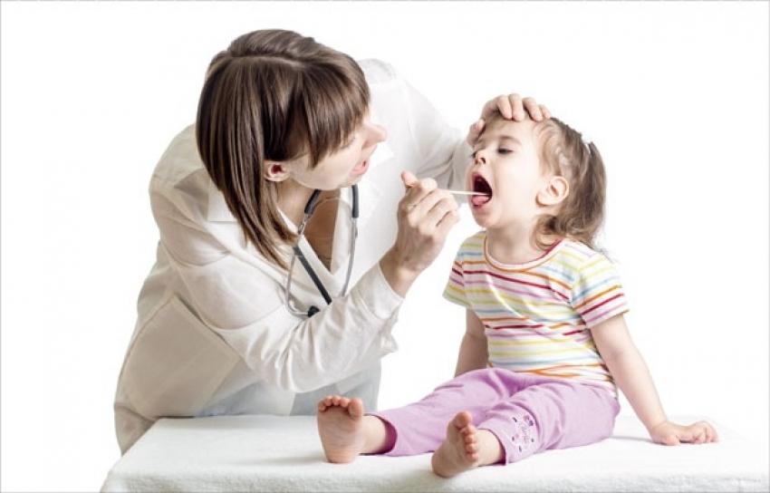 Roditelji misle raste zubić, a dete vrišti zbog herpangine