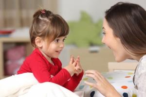Deca progovaraju sve kasnije i to na izmišljenom jeziku