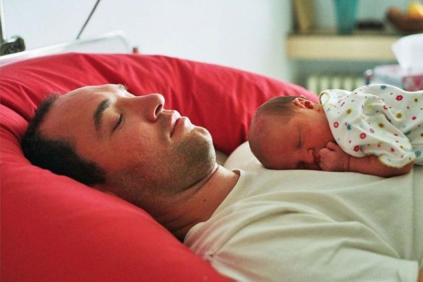 Srbija: Koliko očevi učestvuju u podizanju deteta?