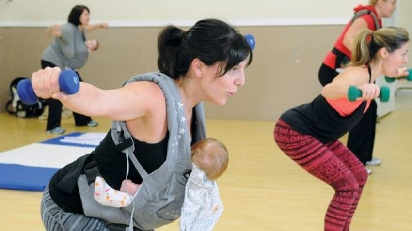 Saveti za majke: Kako sprečiti bolove u vratu, leđima, kukovima...
