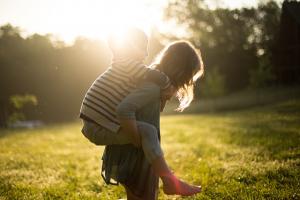 11 loših roditeljskih navika koje mogu da unište dete za ceo život