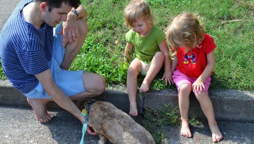Zašto je važno da deca što više hodaju bosa?
