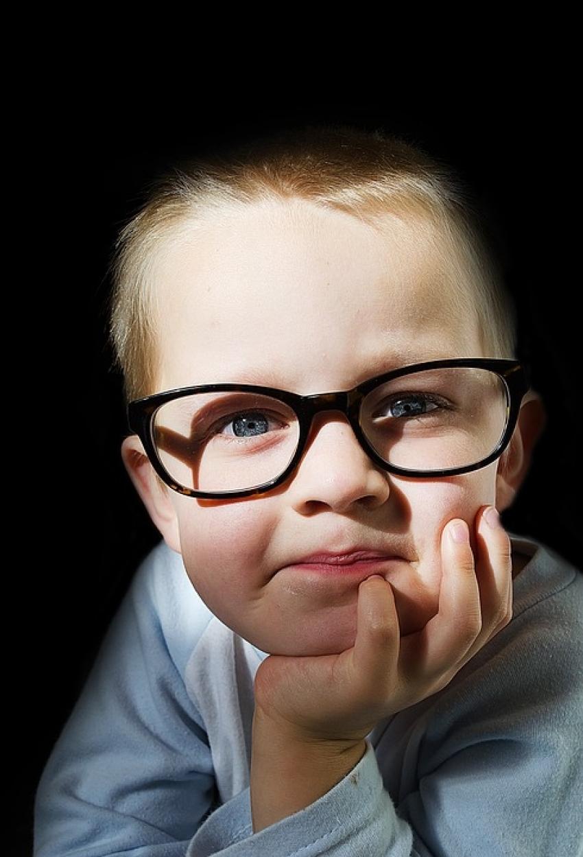 PREPOZNAJTE IH: Znaci da dete ne vidi dobro