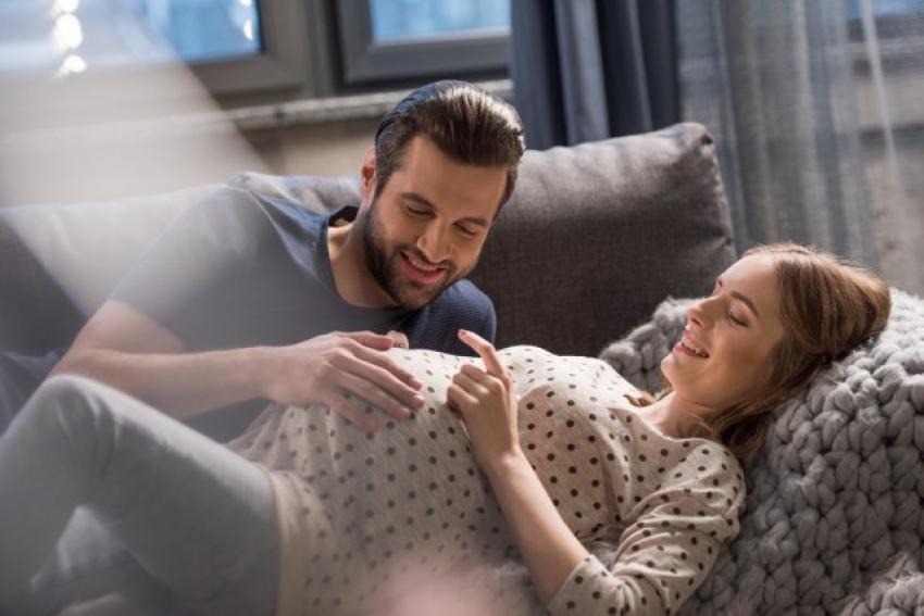 Rađanje deteta posle 30. može da ima i neke prednosti za majku i bebu
