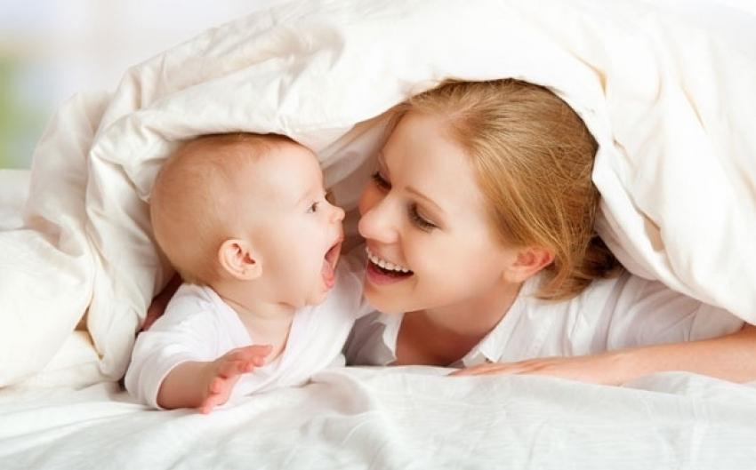 """Kako beba kaže """"volim te"""""""