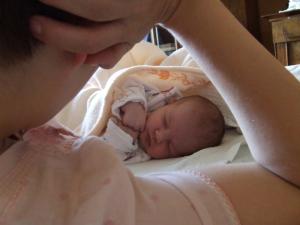 Bebe pamte i uče dok spavaju