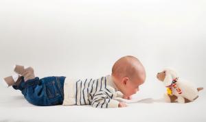 Zašto je važno da beba boravi na podu /ravnoj podlozi