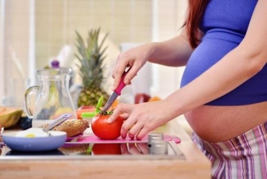 Kako uskladiti ishranu i trudnoću: Zdravlje bebe zavisi i od toga kako se hranite