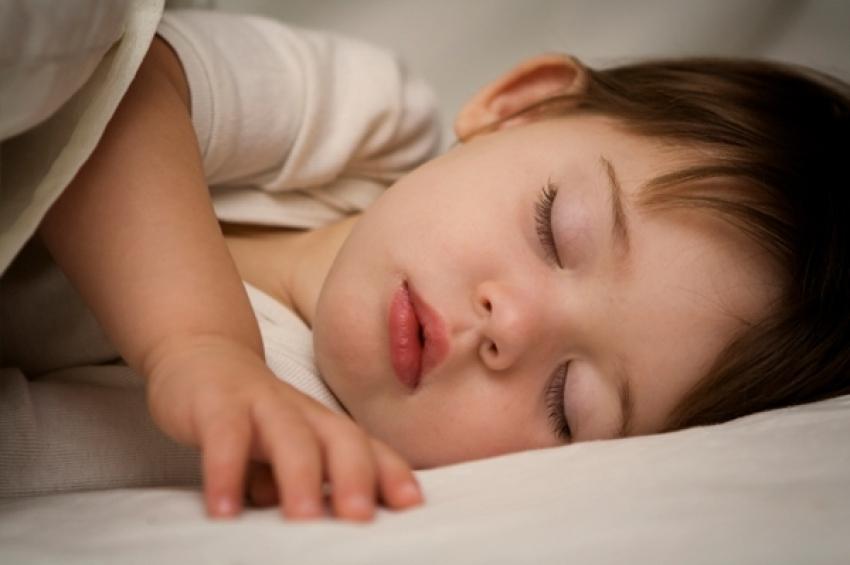 Koliko sna je potrebno bebi?