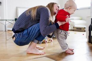Saveti fizioterapeuta: Kada je vreme za kupovinu prvih cipela