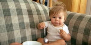 8 najčešćih grešaka kod hranjenja dece