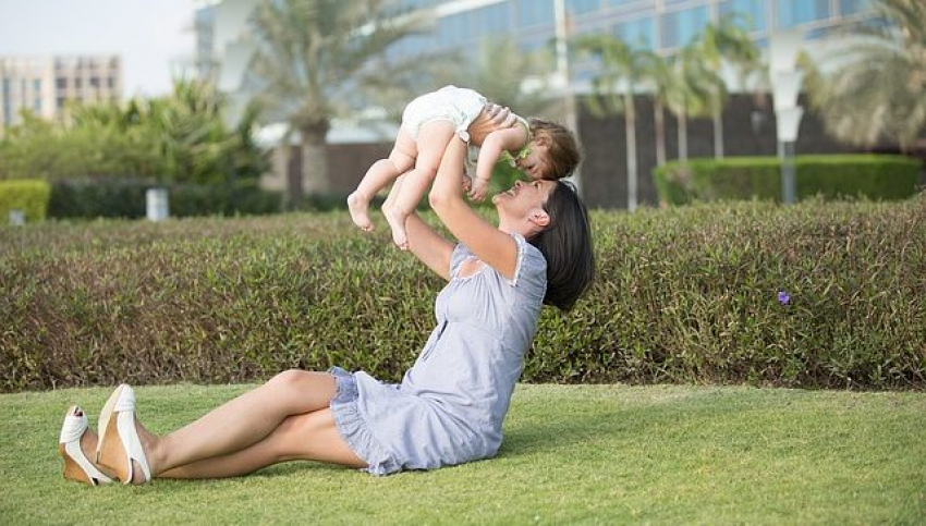 Kako beba pokazuje ljubav prema mami?