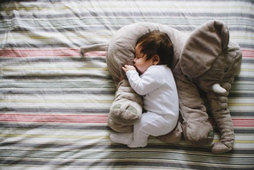 Kako da vaša beba prespava celu noć u nekoliko koraka